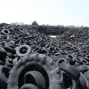Finito l'incubo delle 40.000 tonnellate di pneumatici abbandonate a Castelletto di Branduzzo, vicino Pavia.