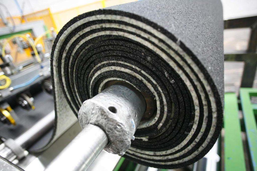 Guaina in gomma da PFU utilizzata come isolante acustico e antivibrante nell'edilizia domestica e industriale