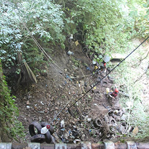 L'area archeologica di Cales finalmente libera dai pneumatici abbandonati