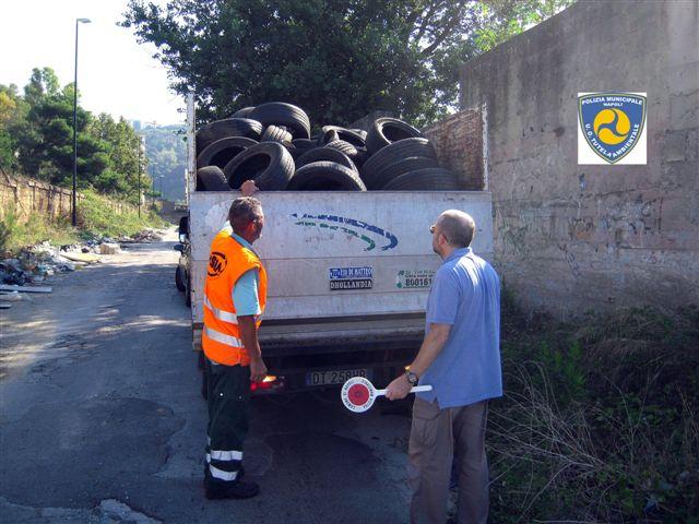 Nella Terra dei Fuochi 18 quintali di PFU rimossi a Napoli si sommano alle oltre 294 tonnellate prelevate dall'avvio del Protocollo Ecopneus
