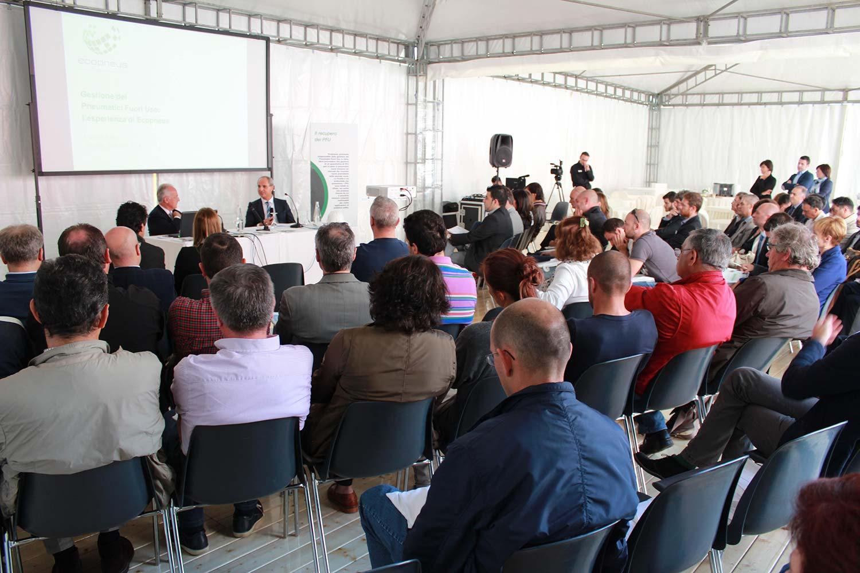 """L'impianto di Valli gestioni ambientali durante l'evento """"Impianti Aperti Ecopneus"""", ottobre 2014"""