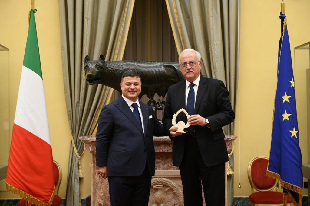 """Il DG Ecopneus Giovanni Corbetta ritira il Premio """"100 eccellenze italiane"""""""