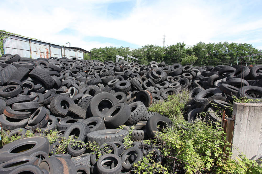 The mayors of the towns in the provinces of Naples and Caserta are meeting the Person in Charge of the Terra dei Fuochi (Land of Fires), Filippo Romano, to make an assessment of the activities of the Protocol. Up to now, the Protocol has removed 22,000 tonnes of abandoned End-of-Life tyres from this territory.